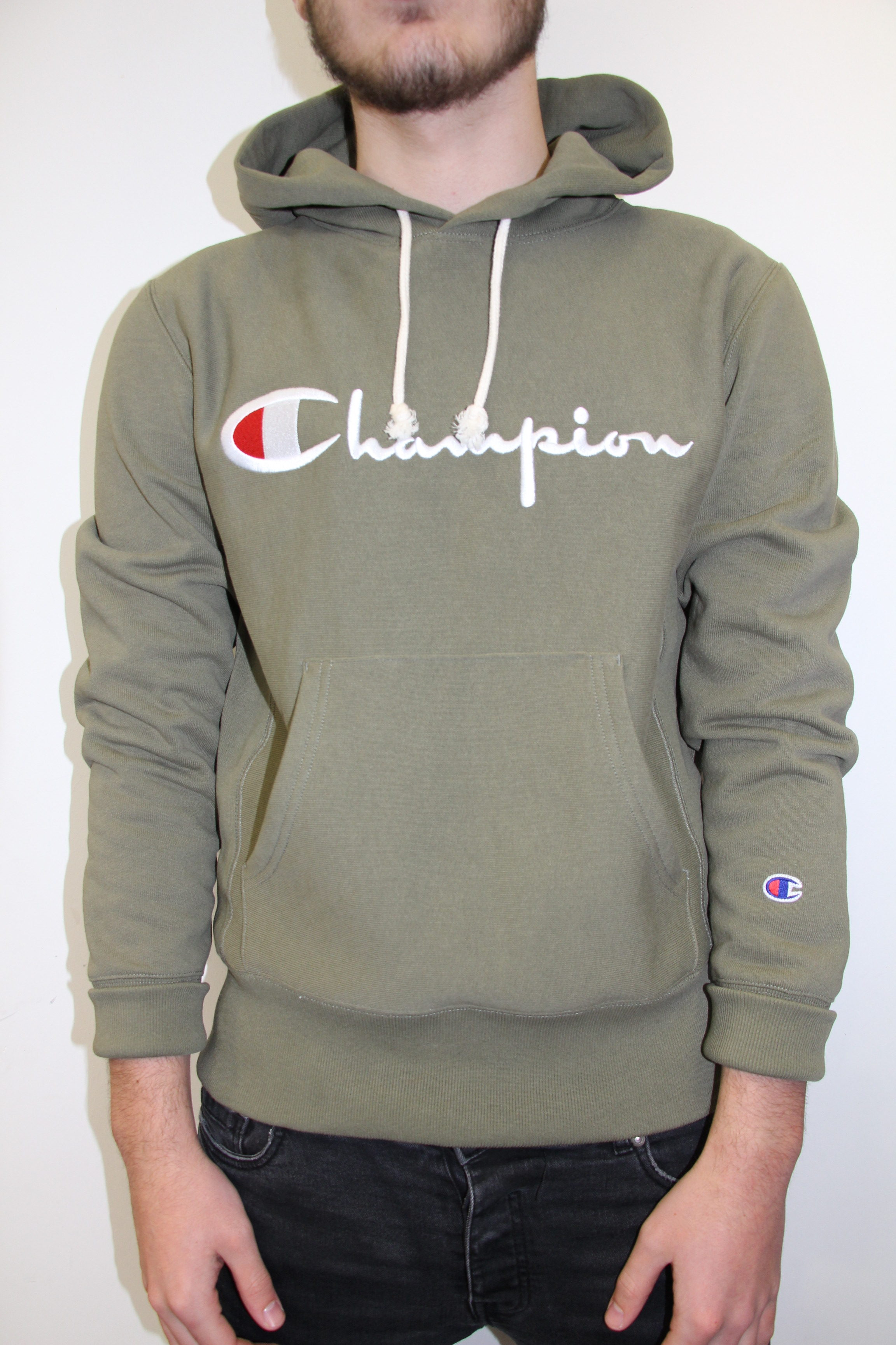 bad07783786a CHAMPION – Hooded Sweatshirt Green Kaki