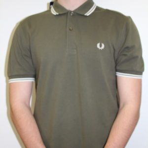 FRED PERRY – Twin Tipped Kaki