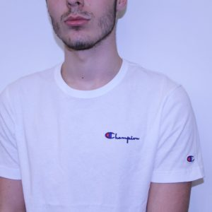 CHAMPION – Tee Shirt Petit Logo Manuscrit Blanc